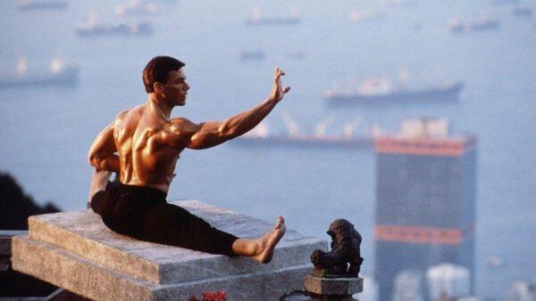 Кадр из фильма Кровавый спорт (1988 год)