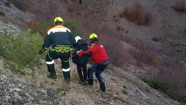 В Судаке спасатели эвакуировали 8-летнего ребенка со скального выступа