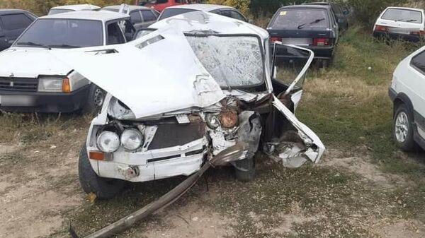 Машина после ДТП в Советском районе Крыма
