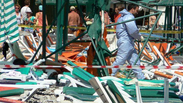 Взрыв на пляже в турецком курортном городе Кемер. Архив