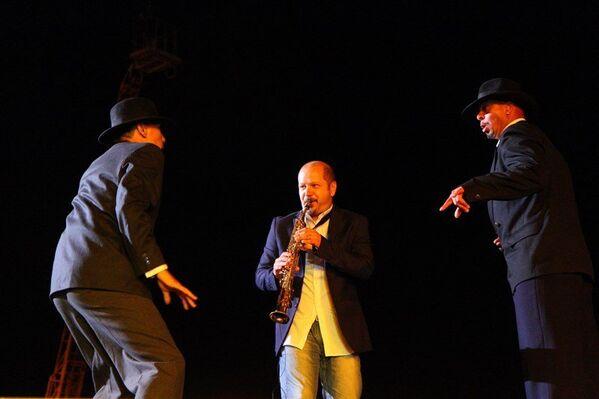 Второй вечер Koktebel Jazz Party. Концерт. Стефано ди Баттиста (Stefano Di Battista), итальянский джазовый саксофонист, с танцорами
