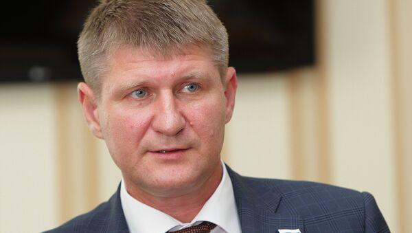 Заместитель председателя Совета министров Крыма Михаил Шеремет на совещании Совета министров Республики Крым