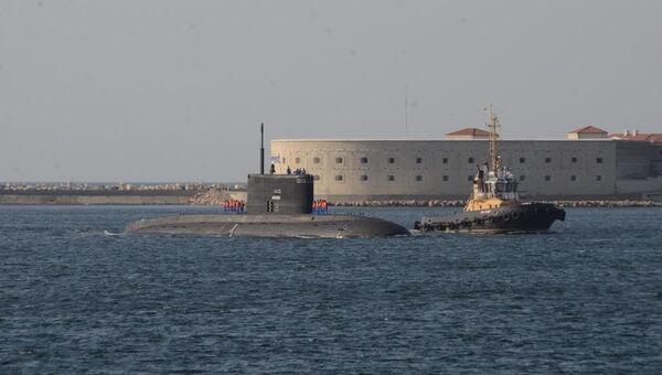 Подлодка Новороссийск в бухте Севастополя