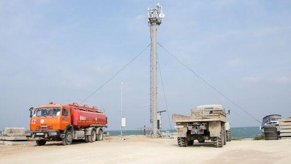 На территории будущего строительства моста установлено три метеостанции: со стороны Керчи и Тамани, а также на острове Тузла