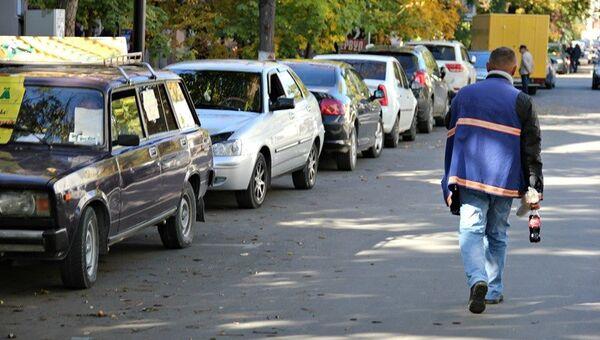 Нелегальная парковка в Симферополе
