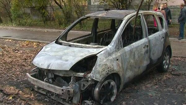 Сожженная машина в Симферополе