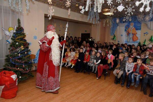 Дед Мороз посетил Центр социальной поддержки дсемей, детей и молодежи в пос. Гвардейское