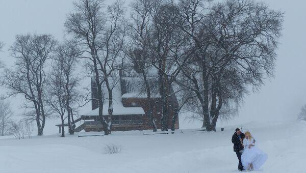 Свадьба зимой. Архивное фото
