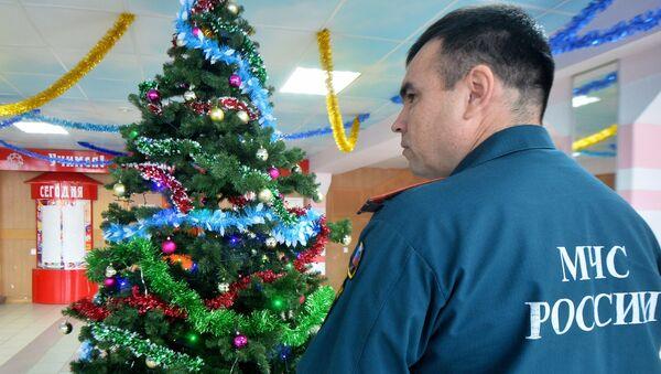 Сотрудники МЧС проверяют места проведения новогодних мероприятий