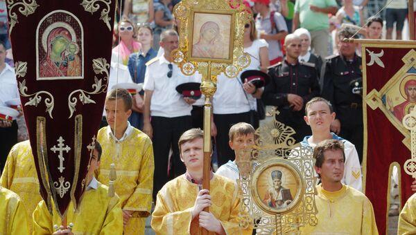 Крестный ход ко Дню памяти князя Владимира в Севастополе