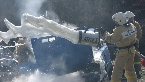 Тренировка МЧС по тушению лесного пожара