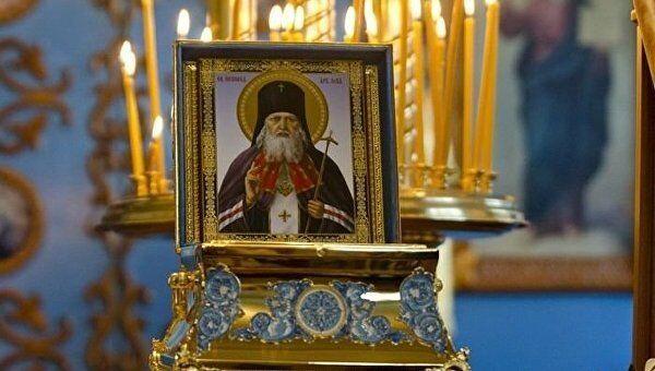 Мощи святителя Луки (Войно-Ясенецкого), архиепископа Симферопольского и Крымского. Архивное фото