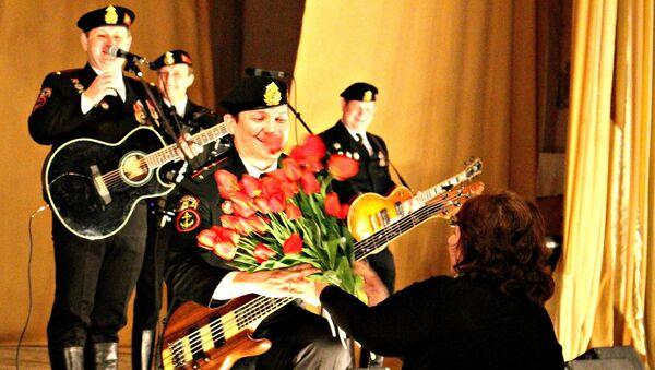 Группа Черные береты на концерте в Евпатории