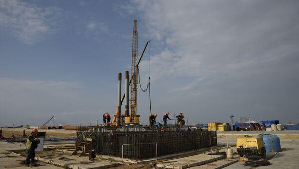 Строители Крымского моста