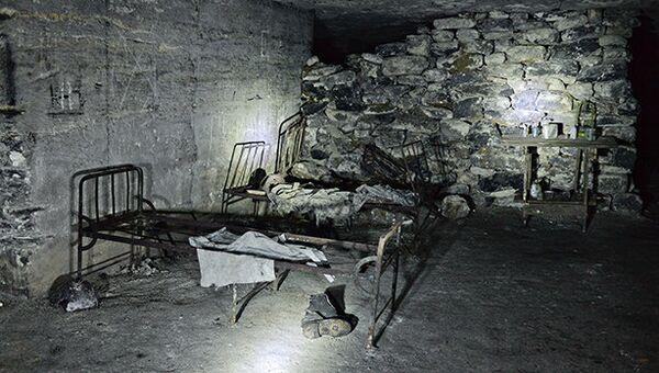 Госпиталь оборонявшихся в Аджимушкайских каменоломнях в годы Великой Отечественной войны (в настоящее время - часть подземной экспозиции Музея истории обороны Аджимушкайских каменоломен в Керчи)