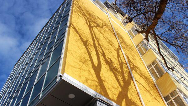 В центре Симферополе вместо частного дома построили многоквартирную 9-этажку