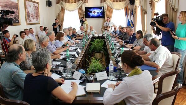 Встреча делегации американских общественников с властями Симферополя