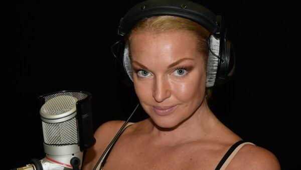 Анастасия Волочкова в студии радио Спутник в Крыму