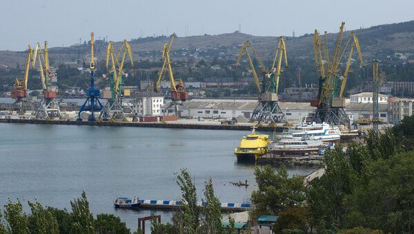 Морской порт Феодосии