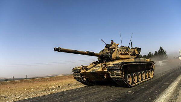 Турецкая бронетехника на границе с Сирией. 24 августа 2016 года