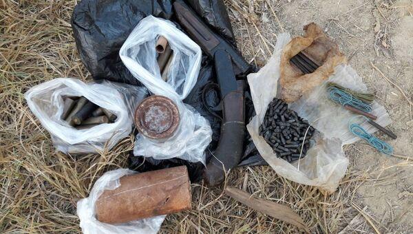 Сотрудники Пограничного управления ФСБ России по Республике Крым выявили схрон с боеприпасами