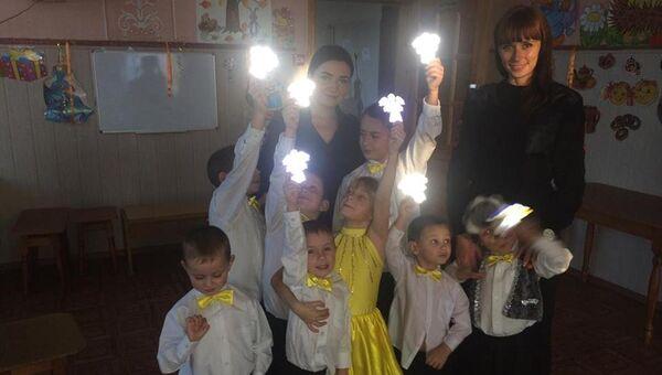 Дети сделали световозвращающих ангелочков