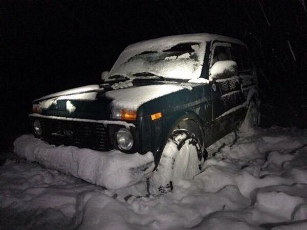 Спасатели вытащили из снежного заноса на Ай-Петри Ниву
