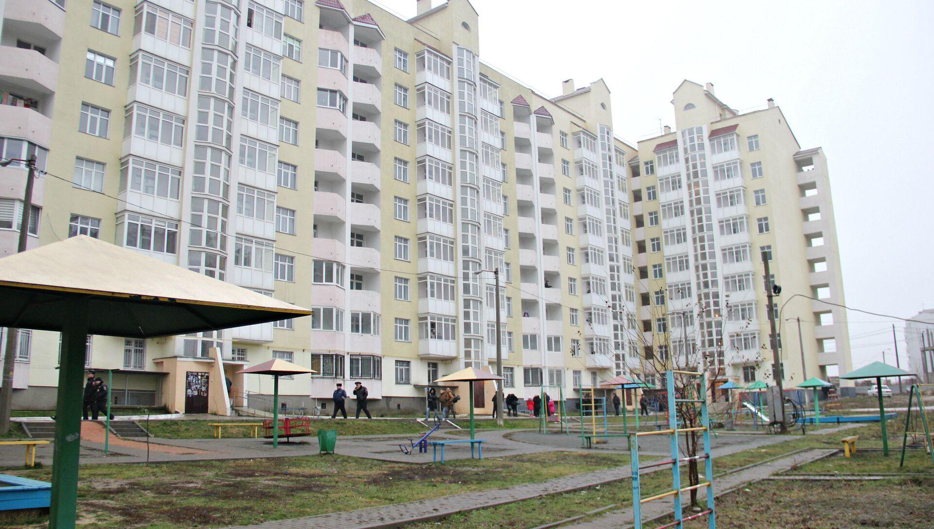 Дом в Симферополе, в котором получили квартиры семьи из числа реабилитированных - РИА Новости, 1920, 31.01.2020