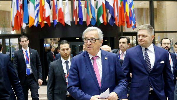 Глава Европейской комиссии Жан-Клод Юнкер после заседания лидеров стран-членов ЕС. 15 декабря 2016 года