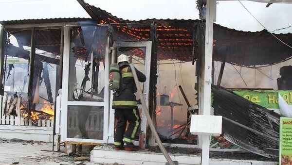 На набережной Севастополя сгорело кафе
