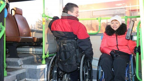 Севастополю подарили два низкопольных автобуса
