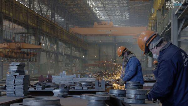 Судостроительный завод Залив выполняет заказ для строительства моста через Керченский пролив