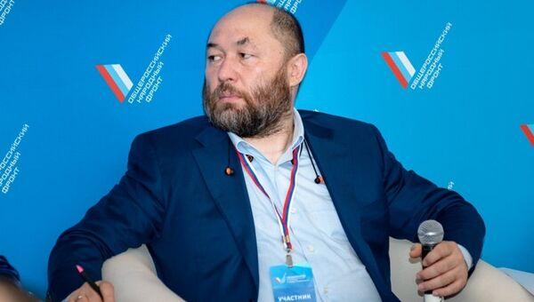 Кинорежиссер и продюсер Тимур Бекмамбетов на медиафоруме независимых региональных и местных СМИ Правда и справедливость
