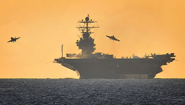 Авианосец ВМС США. Архивное фото