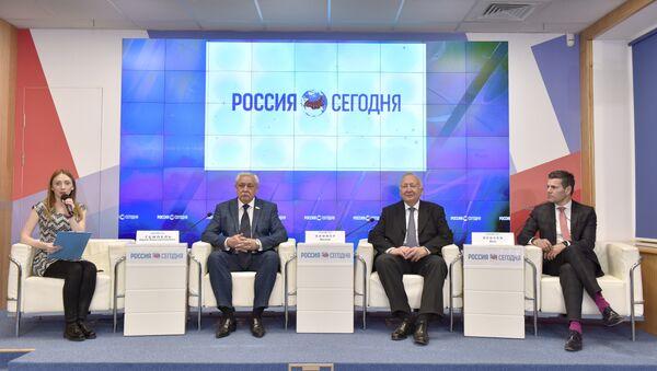 Пресс-конференция по итогам визита в Крым делегации бизнесменов и политиков из Германии и Австрии