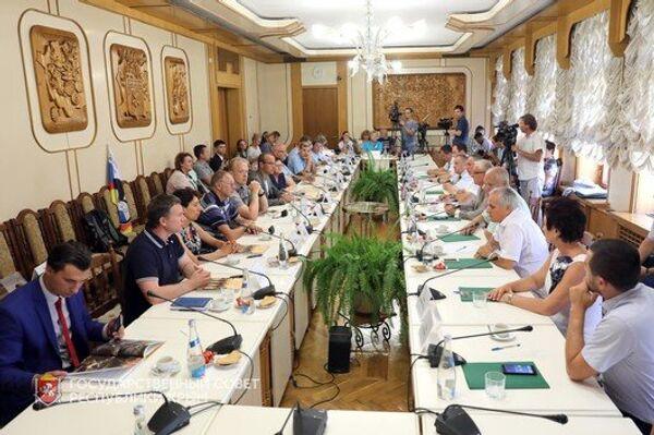 Встреча руководства Государственного совета Республики Крым с участниками автопробега дружбы Берлин - Москва