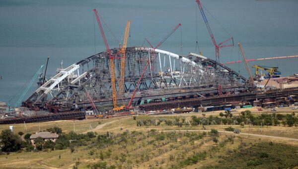 Строительство железнодорожной части Керченского моста в Крыму. 30 июня 2017