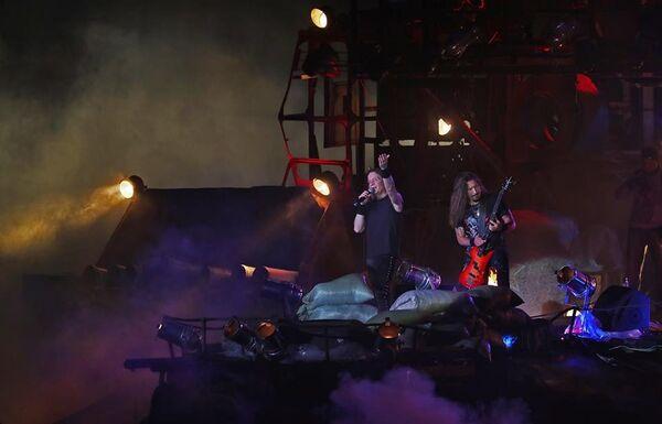 Валерий Кипелов выступает на байк-шоу Русский реактор в Севастополе