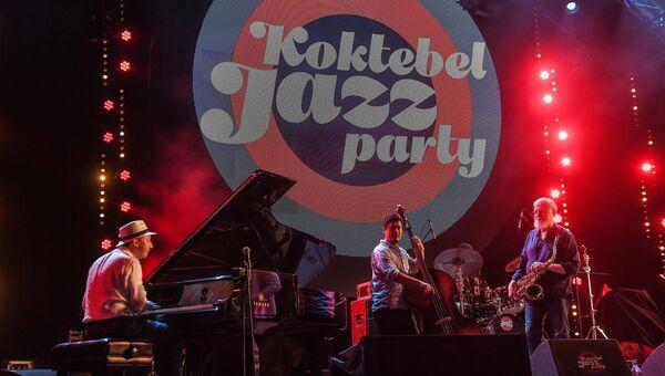 Музыканты на сцене Международного джазового фестиваля Koktebel Jazz Party 2017