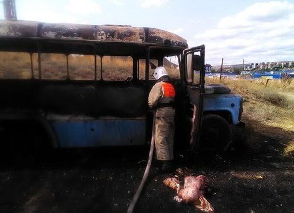Сгоревший заброшенный автобус в Коктебеле