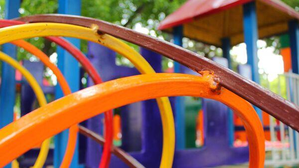 Детская площадка в сквере им. К. Тренева в Симферополе