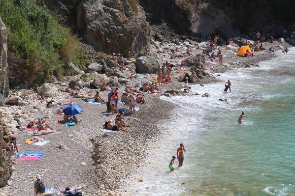 Дикий пляж на мысе Фиолент