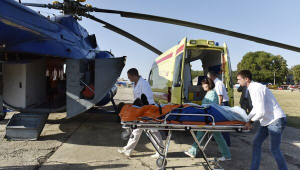 Вертолет санавиации в Крыму