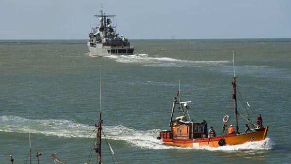 Эсминец ВМС Аргентины Sarandi принимает участие в поиске пропавшей подводной лодки Сан-Хуан