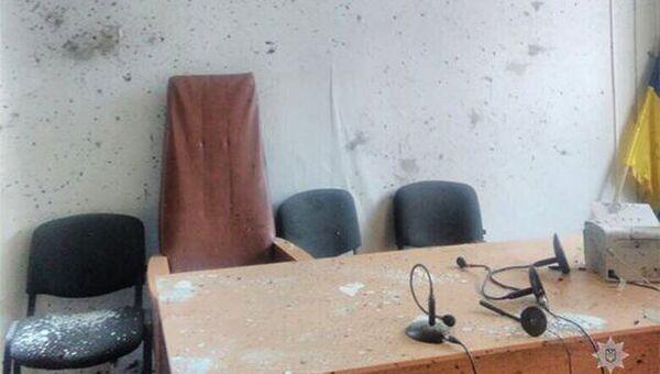 Место взрыва гранаты в суде украинского города Никополь