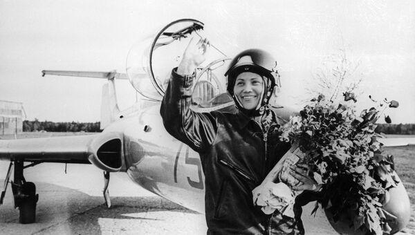 Военная летчик-испытатель Марина Попович. Архивное фото