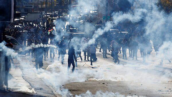 Израильская армия пустила газ против палестинских подростков. 9 декабря 2017