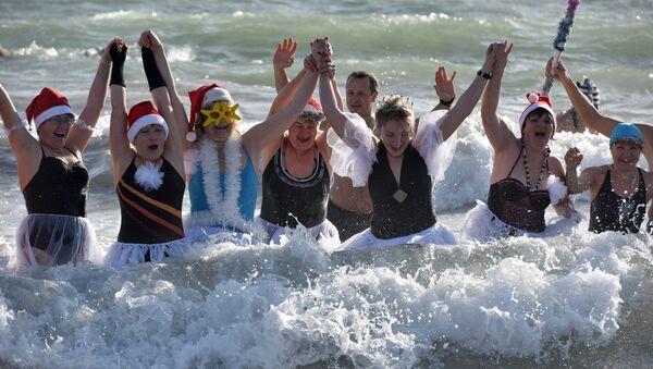 Рождественский заплыв моржей в Евпатории