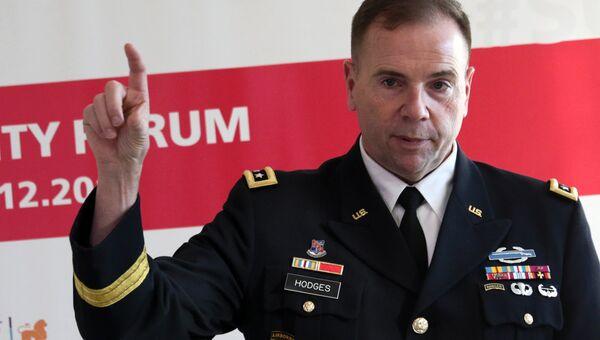 Командующий сухопутными войсками США в Европе генерал-лейтенант Бен Ходжес