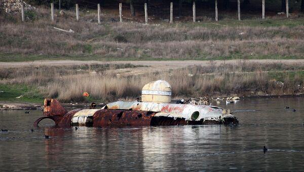 Мини-субмарина АС-11 в Казачьей бухте Севастополя в настоящее время